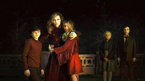 Hot Hair, Makeup, and Fashion Inspiration from … Dark Shadows?!